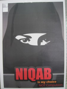 Niqab is my choice, not compulsion, Tunis, mai 2013 (Loïc Le Pape CC-BY-NC)